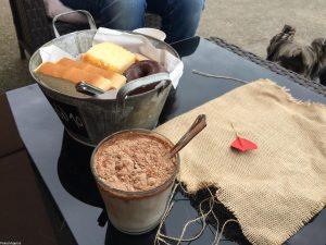 Desayuno Pekes Viajeros
